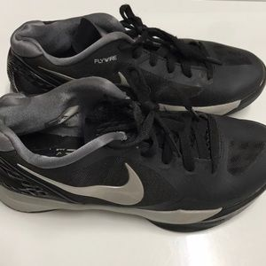 Nike volleyball shoes hyperskike